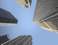 新加坡cbd中心商务区旅馆一个美好的风景看法和从街道水平的积木 库存照片