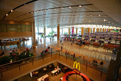 新加坡Changi机场内部从顶视图的 图库摄影