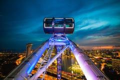 新加坡cityscapefrom新加坡飞行物的甲板 库存照片