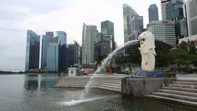 新加坡Merlion公园 Merlion是与狮子的头的神话人物 股票视频