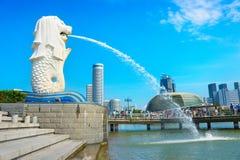 新加坡Merlion雕象标志城市 免版税库存照片