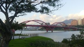 新北市人` s河沿自行车路风景, Taiwa 库存图片