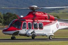 新南威尔斯AgustaWestland AW-139 VH-SYJ救护机直升机救护车服务在伊拉瓦拉地方机场 免版税图库摄影