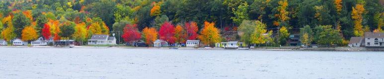 新发现的湖 免版税库存图片