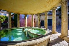 新古典主义的洗衣房在格里尼昂,法国 库存照片