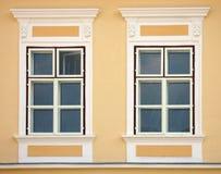新古典主义的视窗 免版税库存图片
