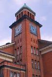 新哥特式塔红砖墙的大厦 库存图片