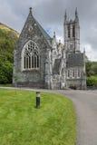 新哥特式教会特写镜头Kylemore修道院的,爱尔兰 免版税库存图片