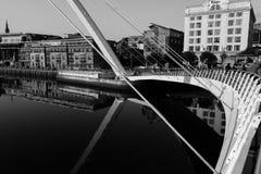 新堡,英国- 2016年10月25日:加兹海得在新堡、Englakd-黑色和丝毫的千年桥梁 免版税图库摄影