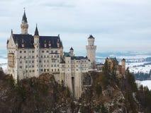 新天鹅堡城堡在冬天 免版税库存照片