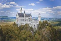 新天鹅堡城堡在夏天,巴伐利亚,德国 免版税库存图片