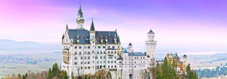 新天鹅堡城堡在黄昏的德国 图库摄影