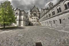 新天鹅堡城堡大广场 免版税图库摄影