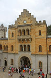 新天鹅堡城堡庭院  免版税库存图片
