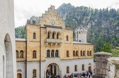 新天鹅堡城堡是19世纪罗马式复兴宫殿在巴伐利亚,德国 库存图片
