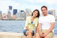 新夫妇约会在纽约 免版税图库摄影