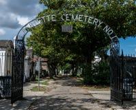 新奥尔良拉斐特公墓门 免版税库存图片