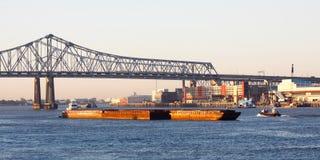 新奥尔良新月形市连接数桥梁 免版税图库摄影
