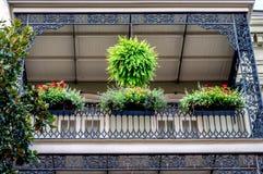 新奥尔良有花的法国街区阳台 免版税库存照片