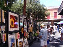 新奥尔良法国街区Vieux Carre JacksonSquare艺术胡同游人 免版税库存图片