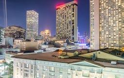 新奥尔良,从屋顶的路易斯安那夜空中地平线  库存图片