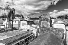 新奥尔良- 2016年2月:城市公墓在一美好的天 T 免版税库存照片