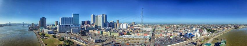 新奥尔良- 2016年2月11日:城市地平线空中全景  免版税库存照片