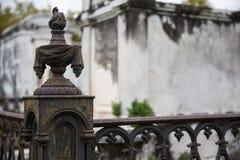 新奥尔良-锻铁公墓岗位 免版税库存图片