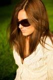 新女孩俏丽的太阳镜 库存照片