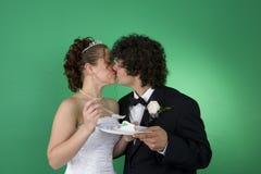 新娘亲吻 库存照片