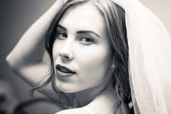 新娘佩带的面纱画象与开放嘴的 免版税图库摄影