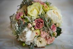 新娘和婚礼花束 库存图片
