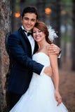 新娘和新郎准备好婚礼 免版税库存图片