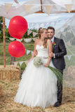 新娘夫妇最近婚姻在婚礼 免版税图库摄影