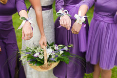 新娘婚礼花和新娘花束 免版税图库摄影