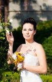 新娘室外纵向 免版税库存照片