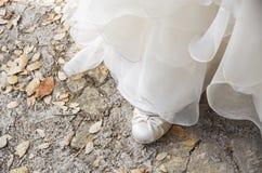 新娘桃红色鞋子 免版税库存图片