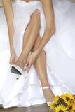 新娘紧固鞋子 库存照片