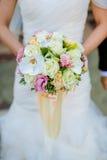 新娘花束短的焦点  图库摄影