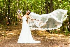 新娘长的面纱 免版税库存图片