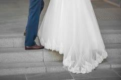 新娘仪式教会新郎婚礼 免版税图库摄影
