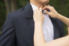 新娘仪式教会新郎婚礼 免版税库存图片