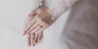 新娘Hands Ring Wedding夫人 免版税库存图片