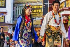 新婚的西藏夫妇 库存图片