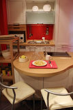新家庭内部的厨房 免版税图库摄影
