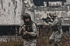 新巡逻的战士 免版税库存照片
