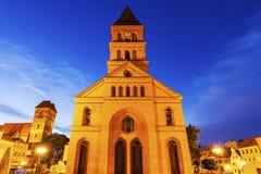 新市场正方形的三位一体教会 免版税库存图片