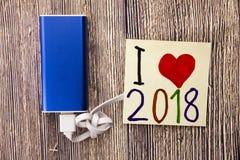 新年好在世界庆祝 人爱党会集并且享用新的year' s前夕 明年来临 免版税库存照片