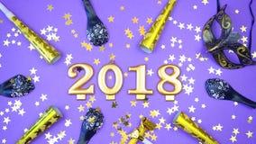 新年快乐金子在并且编号旗布上写字 免版税库存照片