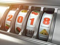 新年快乐2018年在赌博娱乐场 有第的老虎机2018年 免版税库存照片